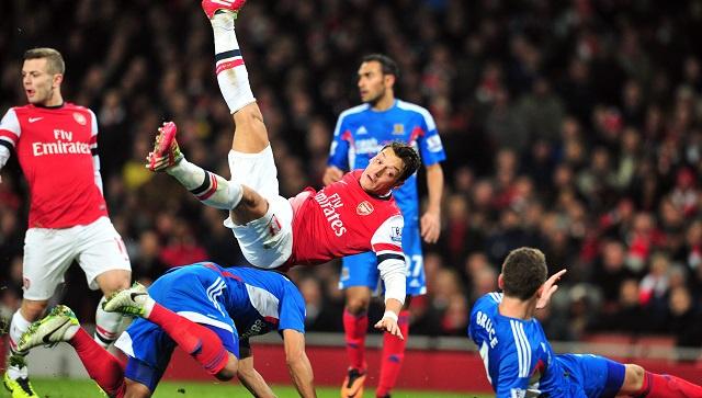 ايفرتون يفرض التعادل على أرسنال في مباراة مجنونة