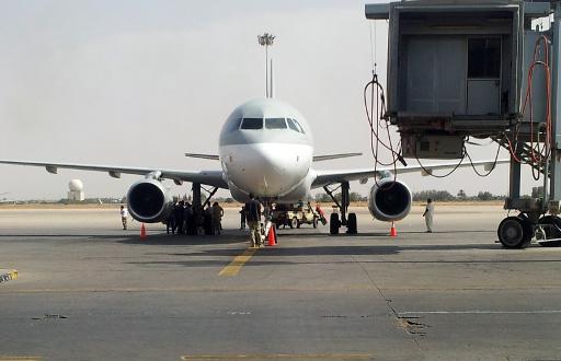 الدبلوماسيون الروس يهبطون في مطار طرابلس الدولي