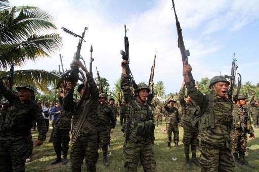 الحكومة الفلبينية وحركة مورو الإسلامية توقعان اتفاقا لتقاسم السلطة