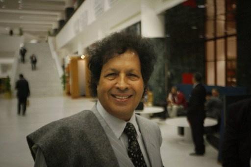 القضاء المصري يبرئ قذاف الدم في قضية شروعه في قتل ضابطي شرطة