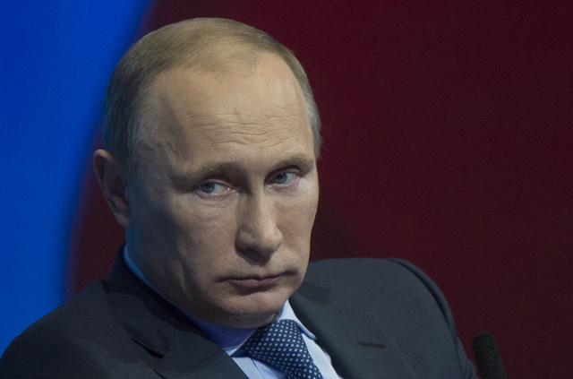 بوتين يطرح على مجلس الدوما مشروع العفو بمناسبة الذكرى الـ 20 للدستور الروسي