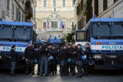 تظاهرات تندد برفع الضرائب في ايطاليا