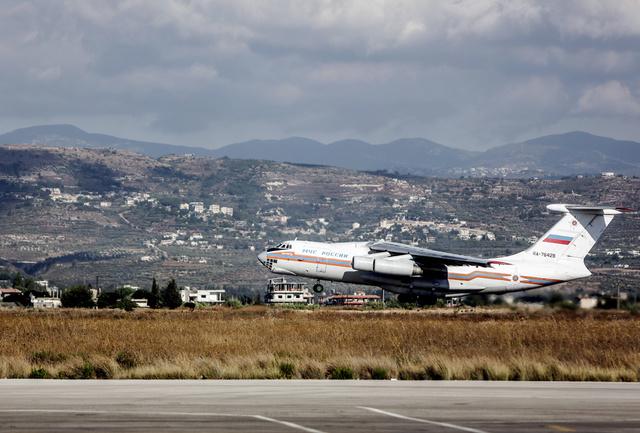 وزارة الطوارئ الروسية ترسل 44 طنا من المساعدات الإنسانية إلى سورية