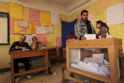 وزير التنمية الإدارية المصري: الاستفتاء على مشروع الدستور في منتصف يناير