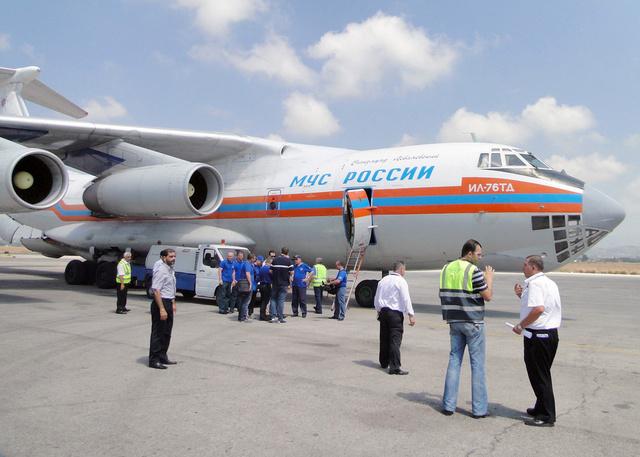طائرة روسية تنقل عددا من مواطني روسيا وبعض بلدان رابطة الدول المستقلة من اللاذقية السورية الى موسكو
