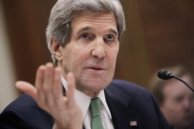كيري يدعو الكونغرس إلى تأجيل فرض عقوبات جديدة على إيران