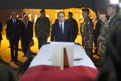 فرانسوا هولاند يصف مهمة فرنسا في إفريقيا الوسطى بالخطرة