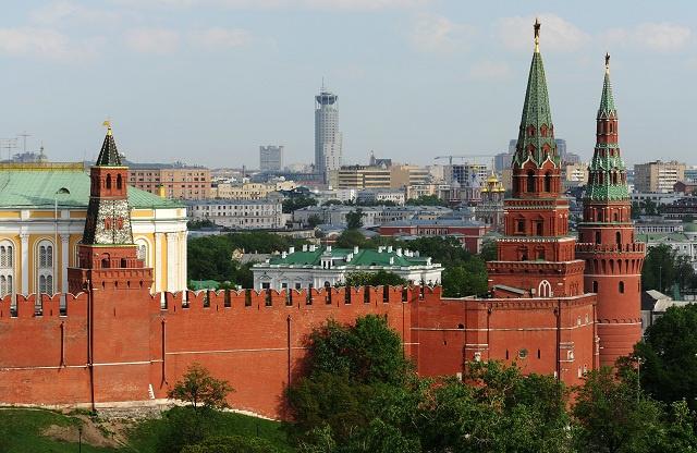 بوتين: روسيا سترد سياسيا وتكنولوجيا على أية محاولة للتفوق عليها عسكريا