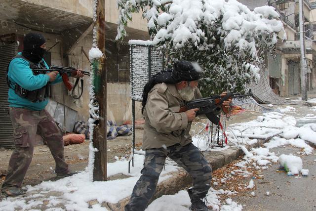 تداعيات سيطرة المتطرفين على مستودعات المعارضة السورية المسلحة