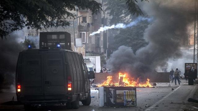 الأمن يلقي القبض على 5 من طلاب الإخوان