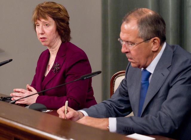 لافروف يبحث مع آشتون الاثنين التعاون الثنائي وإلغاء التأشيرات وسورية وإيران وأوكرانيا