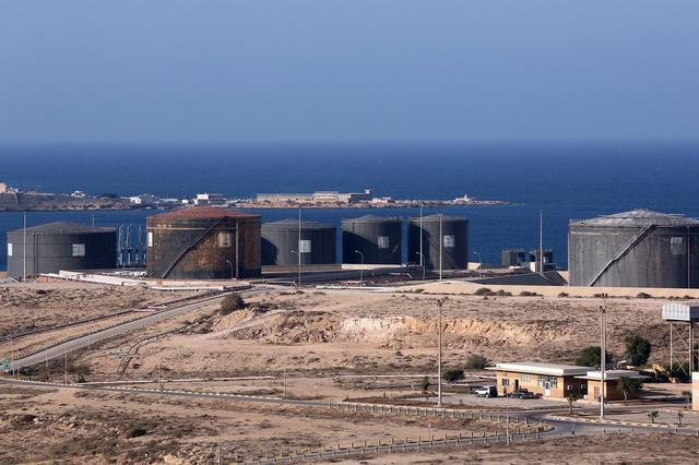 الحكومة المعلنة في برقة تشترط فتح موانئ شرق ليبيا بموافقة طرابلس على مطالبها