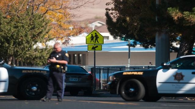طالب يطلق النار في مدرسة بسنتنيال ويصيب اثنين من زملائه ثم ينتحر