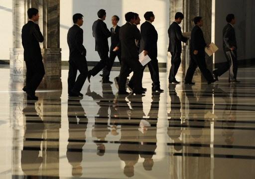 رجال الأعمال الكوريون الشماليون يعودون من الصين إلى بلادهم على عجل بعد إعدام جانغ سونغ تيك