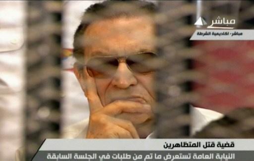 تأجيل إعادة محاكمة مبارك بعد الاستماع الى شهادة عنان