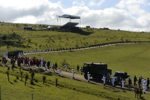 جثمان مانديلا يوارى الثرى في مسقط رأسه بجنوب أفريقيا