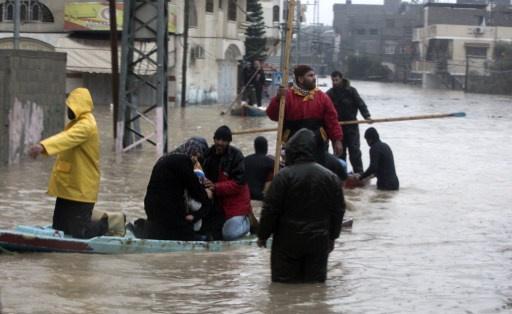 إجلاء أكثر من 5 آلاف شخص في قطاع غزة بسبب الفيضانات