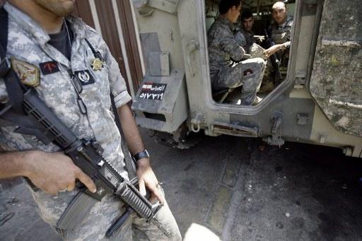 مقتل 3 مسلحين بينهم انتحاري هاجموا حاجزا للجيش اللبناني شرق صيدا