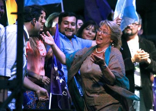 باشليت تعود لرئاسة تشيلي بعد فوز ساحق في الانتخابات