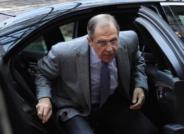 لافروف: القضية الأوكرانية يجب مناقشتها في إطار ثلاثي بمشاركة روسيا