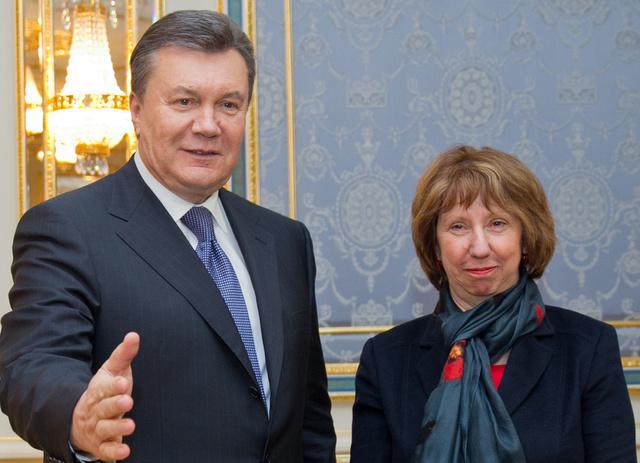 اشتون: لا تعارض بين اتفاقيتنا مع كييف والعلاقات التجارية القائمة بين روسيا وأوكرانيا