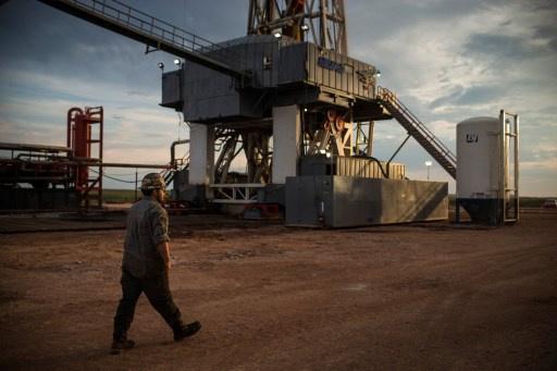 إنتاج النفط الأمريكي سيصل إلى مستوى قياسي بحلول 2016