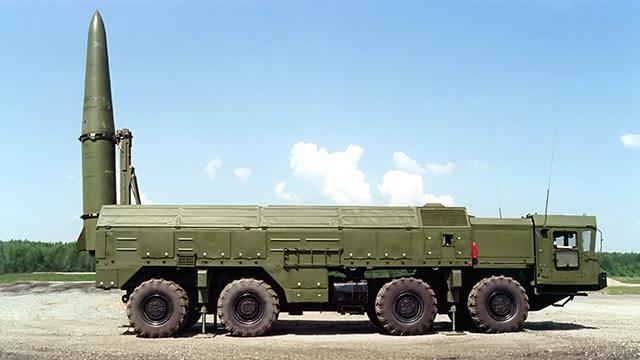 لماذا تنشر روسيا صواريخ هجومية على الحدود مع الاتحاد الأوروبي ؟ (بالفيديو)