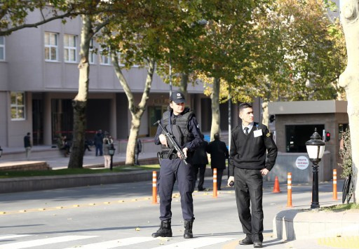الشرطة التركية تعتقل أبناء 3 وزراء مشتبه بهم بالفساد