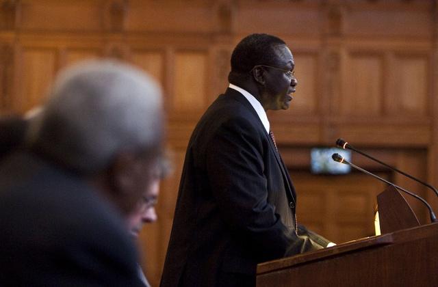 النائب السابق للرئيس السوداني ينفي الاتهامات بتورطه في محاولة الانقلاب