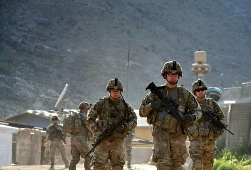 قتلى وجرحى بهجوم لطالبان على قاعدة امريكية