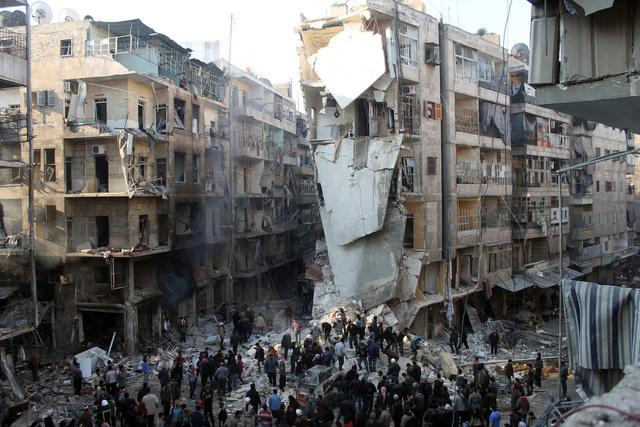 مقتل 135 شخصا بينهم عشرات الأطفال خلال 3 أيام جراء الغارات الجوية على حلب