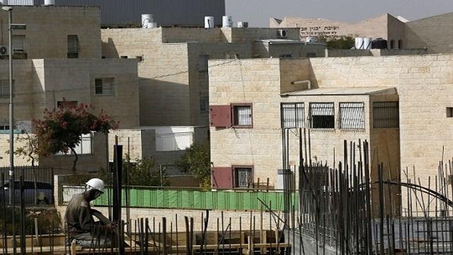 أبو ردينة: بناء المستوطنات أو تطويرها غير شرعي ولا نعترف به