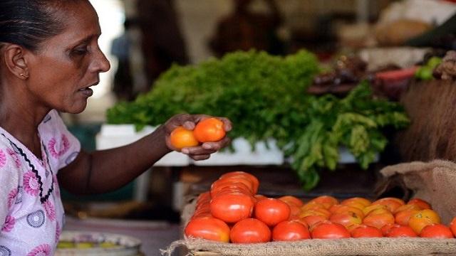 كوب من عصير الطماطم يوميا يقي من سرطان الثدي