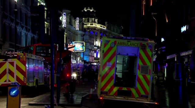 إصابة أكثر من 80 شخصا في انهيار سقف مسرح بلندن