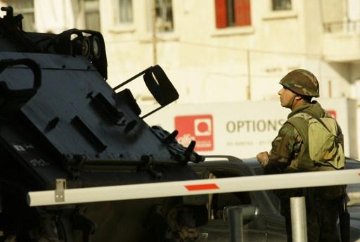 لبنان.. الجيش يقبض على 6 مسلحين سوريين وسقوط قذيفتين على الأراضي اللبنانية مصدرها سورية