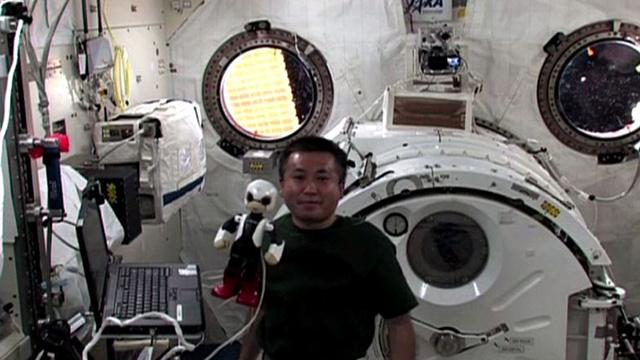 الروبوت الياباني كيروبو يتحدث عن تجربته الفضائية الأولى (فيديو)