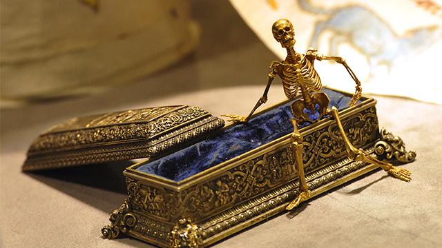 افتتاح متحف الموت في بطرسبورغ