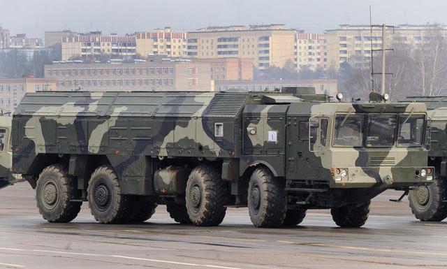 لافروف: العسكريون الروس هم الذين سيقررون ضرورة نشر صواريخ