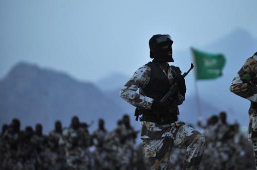 الامير متعب بن عبد الله: القوة العسكرية الخليجية ستضم 100 ألف جندي