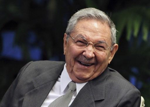كاسترو يدعو واشنطن الى اقامة علاقات متحضرة مع كوبا