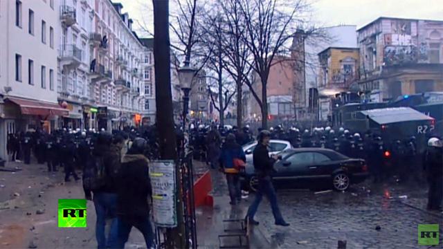 إصابة 100 رجل شرطة في اشتباكات مع متظاهرين بهامبورغ
