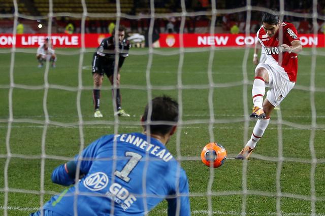 موناكو يغلق باب رحيل فالكاو أمام ريال مدريد