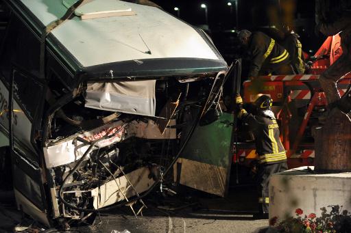 مقتل 14 نتيجة سقوط حافلة في واد بالبرازيل