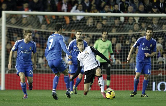 ريال مدريد يهزم فالنسيا بشق الأنفس