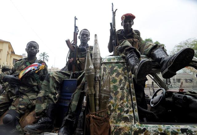 أفريقيا الوسطى: قتيل على الأقل في اشتباكات مع المتظاهرين قرب مطار بانغي