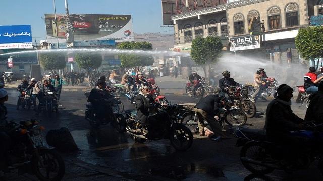 مواجهات بين الأمن ومحتجين بشبوة وقبائل حضرموت تدعو إلى