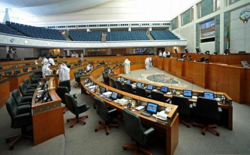 جميع الوزراء الكويتيون يقدمون استقالاتهم ويضعوها تحت تصرف رئيس الوزراء