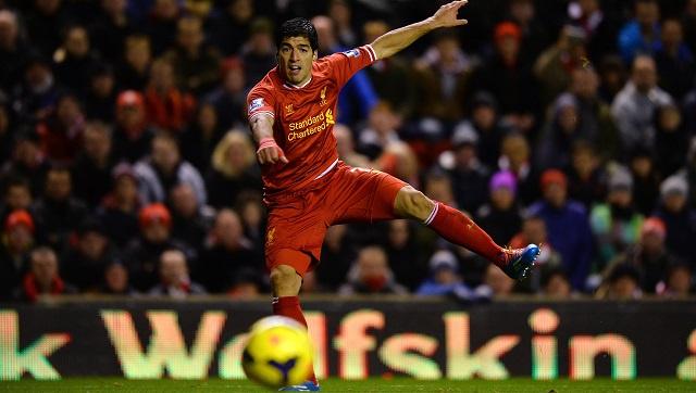 بالفيديو .. لويس سواريز يحرز هدفين رائعين في شباك كارديف سيتي