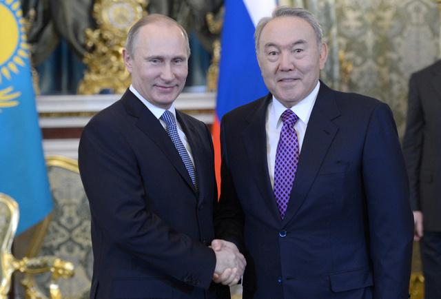 روسيا وكازاخستان توقعان اتفاقية للتعاون التقني العسكري