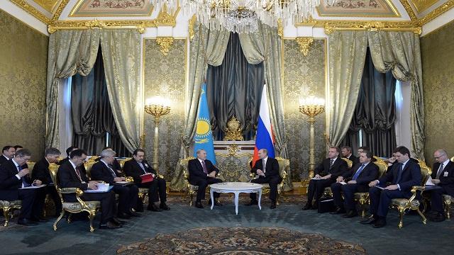 روسيا وكازاخستان توقعان اتفاقية حول توريد النفط إلى الصين